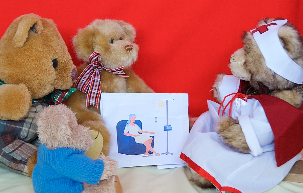 HB, Scotty, Oscar and Nurse Bree need to make a photo about Chemotherapy treatment