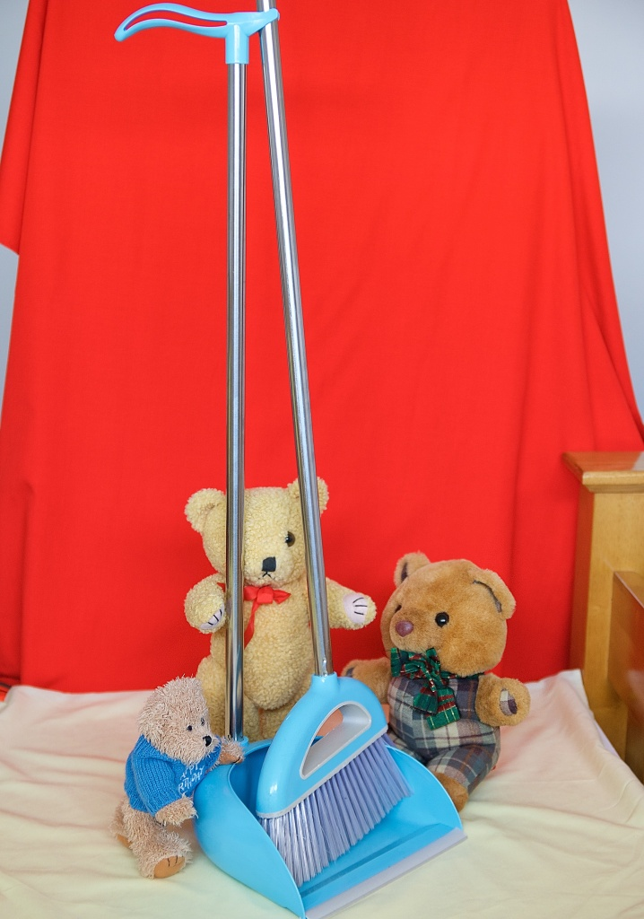 Sc Scotty wants to use this broom for a chemotherapy drip line. Little Teddy and Old Yellow are not sure.